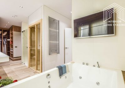 Interior Home Staging jacuzzi baño 7